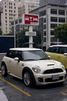 MINI John Cooper Works (USA) (01/2013)