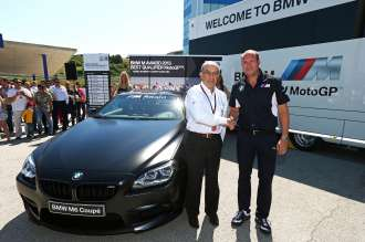Presentation BMW M Award, Carmelo Ezpeleta, CEO of Dorna Sports, and Axel Mittler, BMW M © BMW AG