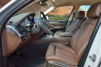 The new BMW X5 xDrive30d, Design Pure Experience, Exclusive Leather Nappa Mocha (05/2013)