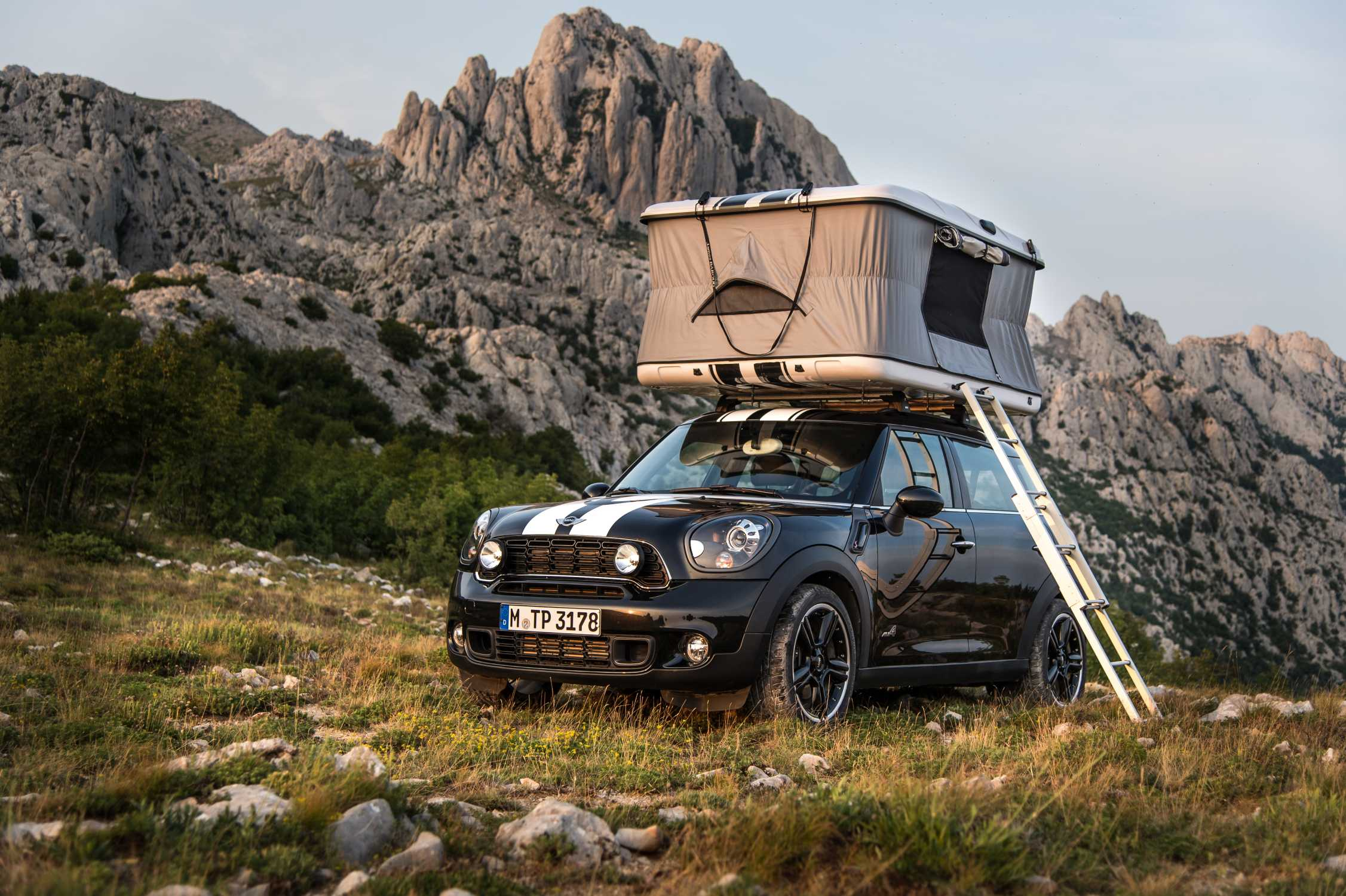 Mini Countryman All4 Camp Mit Roof Top Zelt Gro 223 E Ideen