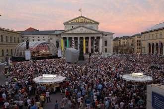 Festspielkonzert am 27.7.13 auf dem Max-Joseph-Platz in München © Wilfried Hösl (07/2013)