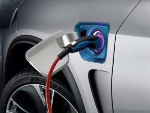 The BMW Concept X5 eDrive, charging socket cover (08/2013)