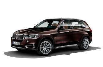 BMW Individual X5 (F15) - Paintwork: BMW Individual Ruby Black metallic // Wheels: BMW Individual Light alloy wheels V-spoke 551 l. © BMW AG (10/2013)