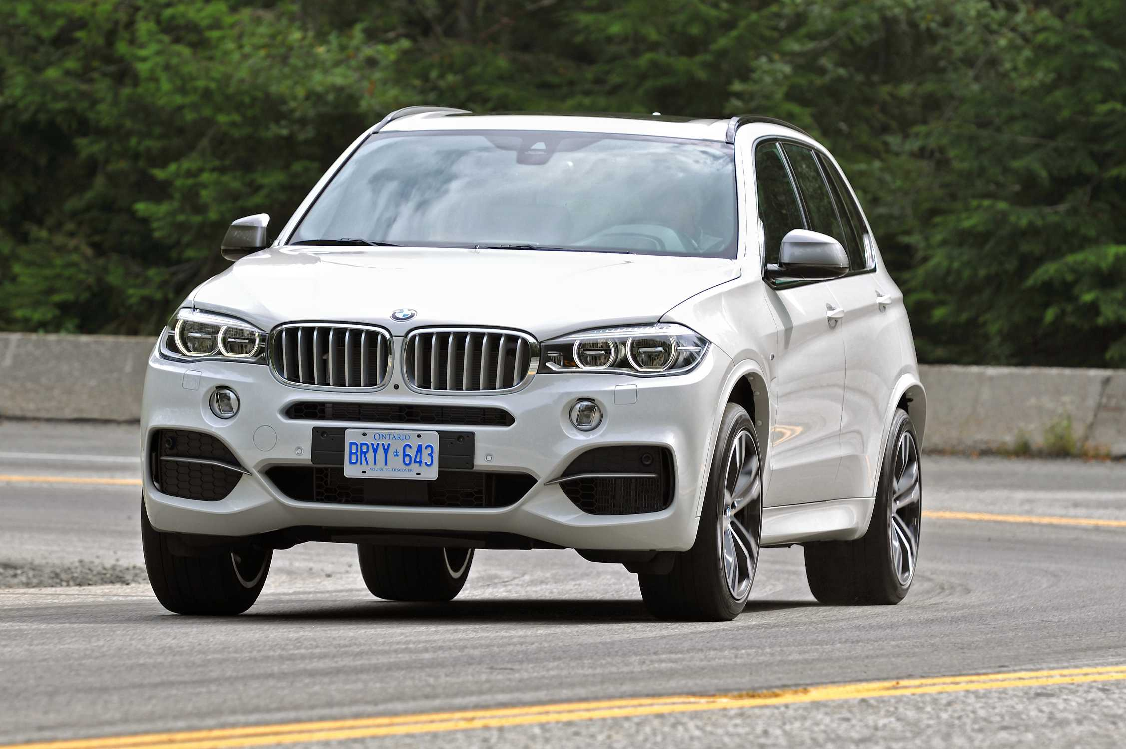 The New Bmw X5 M50d Bmw Individual And Original Bmw Accessories Dynamic Exclusive Versatile