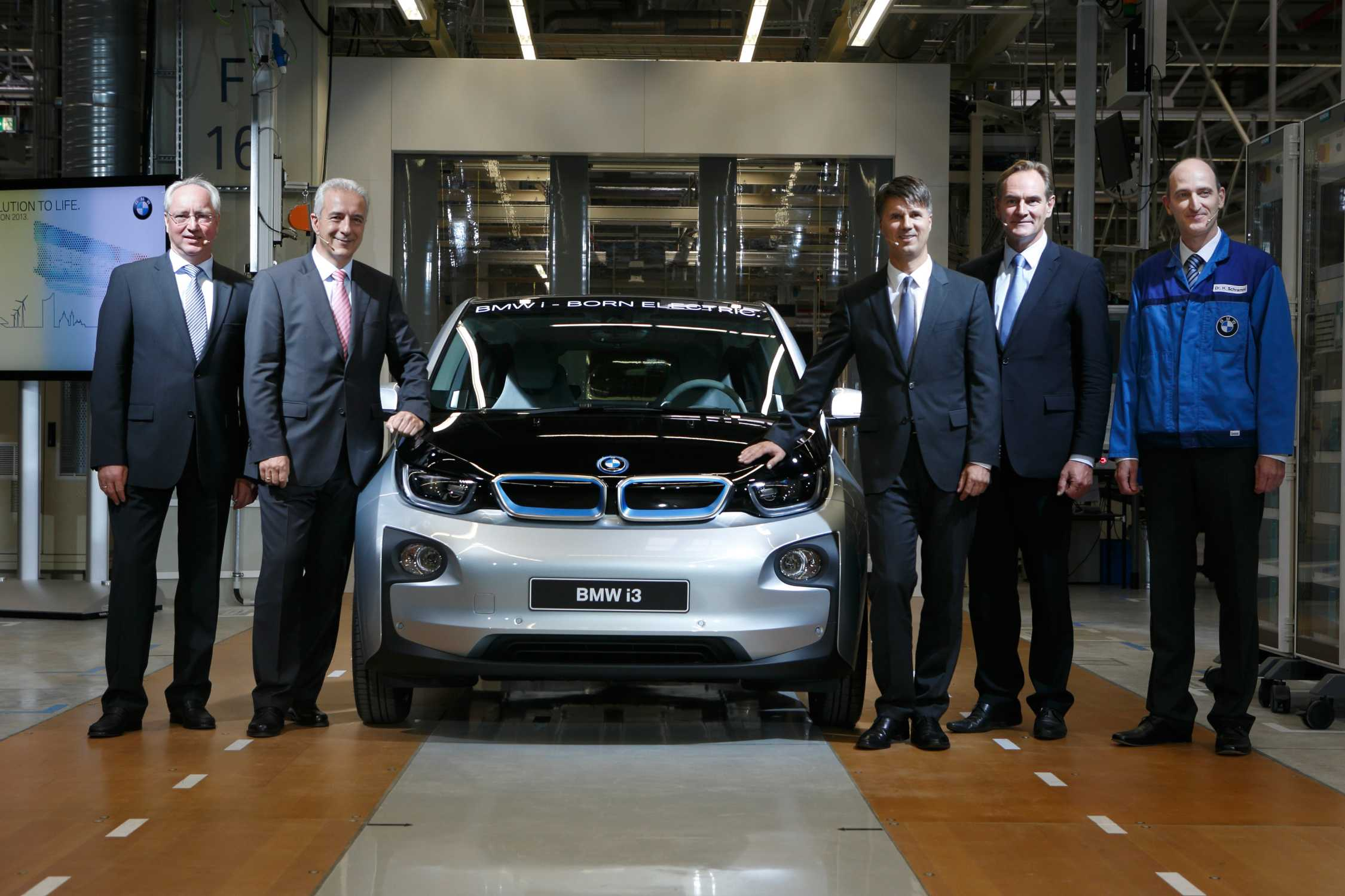 bmw business strategy Linda vuskane bmw  the bavarian based luxury car producer is seen as one of the most prestigious, stable and admired companies in the world.