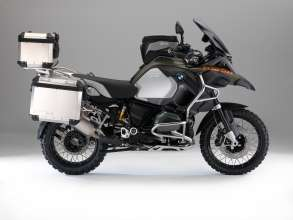 BMW R 1200 GS Adventure, Windscreen, high, tinted, Slipstream deflectors, tinted, BMW Motorrad Navigator V, LED turn indicators, Tank rucksack, Aluminium enduro engine guard, Rallye seat, HP sports silencer by Akrapovic, Aluminium cases and topcase with backrest pad, case carrier, Enduro tires (10/2013)