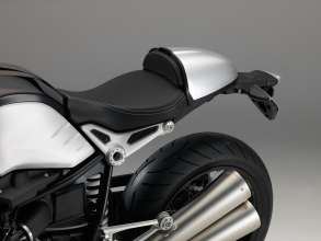 BMW R nineT, Aluminium tail-hump cover (10/2013)