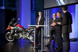 Celebrating 90 years of BMW Motorrad. From left to right: Heiner Faust, Vice President Sales and Marketing; Dr. Marc Sielemann, Vice President BMW plant Berlin; Dr. Christian Landerl, Vice President Development. (10/2013)