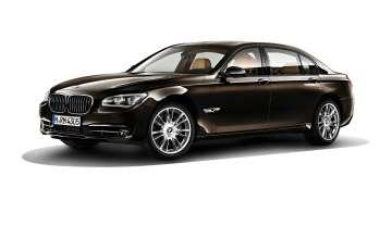 BMW Individual 7 Series Saloon/Sedan Long version (F02 LCI) - 760Li – Paintwork: BMW Individual Citrine Black metallic – Wheels: BMW Individual Light-alloy wheels V-spoke 301 l. © BMW AG (10/2013)