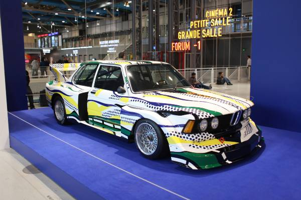 BMW ART CAR #3 al ritorno al Centre Pompidou (2013) - Immagine di Francois Goize / BMW Group Website
