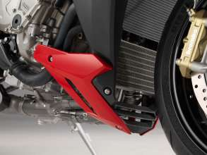 BMW S 1000 R with engine spoiler (11/2013)