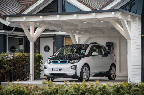 der bmw i3 solar carport 11 2013. Black Bedroom Furniture Sets. Home Design Ideas