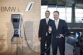 Dr. Ian Robertson, Member of the Board of Management of BMW AG, Sales and Marketing BMW, and Roland Krüger, Senior Vice President, Head of Sales and Marketing Germany for the BMW Group, are initiating the BMW i3 sales start. (11/2013)
