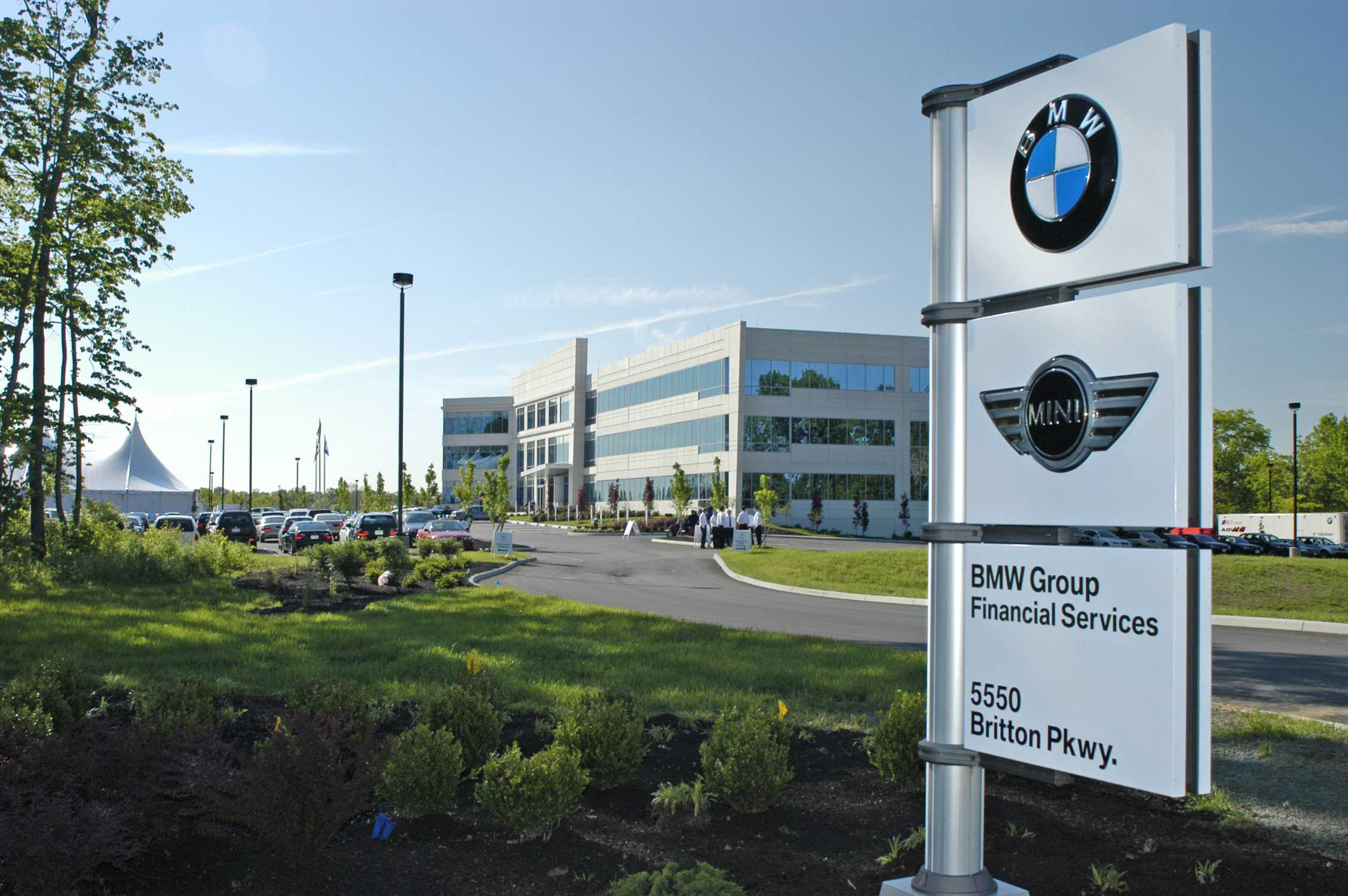 p90140872 bmw group financial services regional service center in. Cars Review. Best American Auto & Cars Review