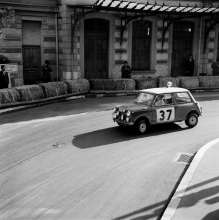 Paddy Hopkirk/Henry Liddon in the Mini Cooper at the Rallye Monte Carlo 1964 (01/2014)
