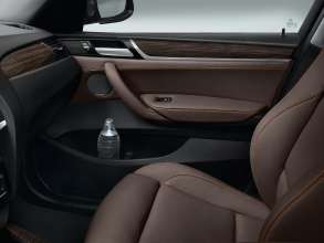 The new BMW X3 - Interior, Nevada leather Mocha - Interior trim, Fineline Anthracite wood with Pearl-gloss Chrome accent line - xLine(02/2014).