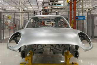 Contract manufacturing of the new MINI model at the VDL Nedcar plant in Born, Netherlands - body shop (02/2014)