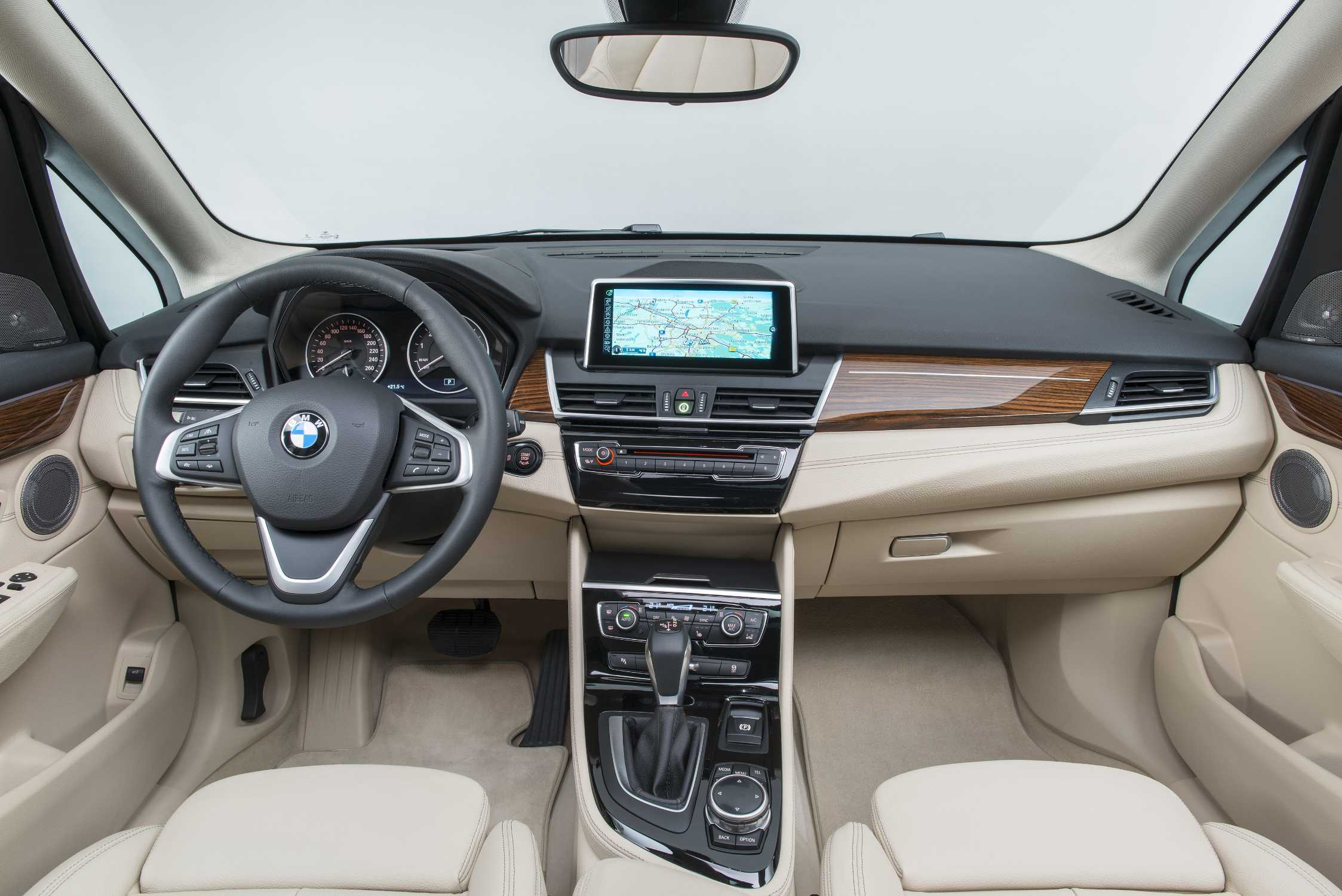 The New 2 Series Active Tourer Interior 02 2014