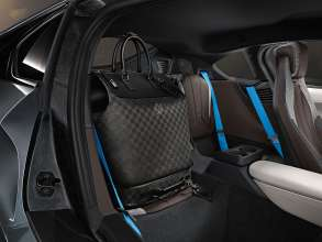 """Tailor-made: hardshell """"Business Case i8"""" and small """"Weekender PM i8"""" made from carbon fibre on the rear seats of the BMW i8. (02/2014)"""