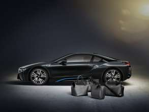 """The tailor-made Louis Vuitton luggage set for the BMW i8 made from carbon fibre: small """"Weekender PM i8"""", big """"Weekender GM i8"""", hardshell  """"Business Case i8"""",""""Garment Bag i8"""". (02/2014)"""
