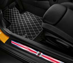 Textile floor mat Essential und LED-doorsill-finishers Union Jack. (03/2014)