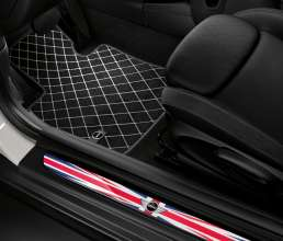 Textile floor mat Essential black and LED-doorsill-finishers Union Jack. (03/2014)