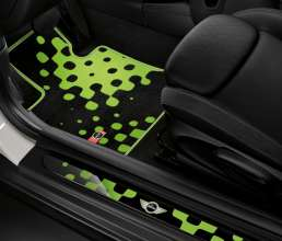 Textile floor mat Vivid Green and LED-doorsill-finishers Vivid Green. (03/2014)