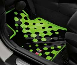 All-weather floor mat Vivid Green. (03/2014)