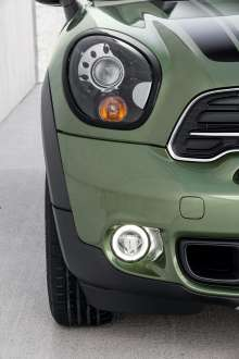 The new MINI Countryman with new LED fog lights. (04/2014)