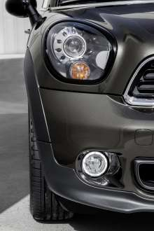The new MINI Paceman with new LED fog lights. (04/2014)