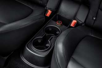 The new MINI Paceman with MINI Dual USB charger (accessory). (04/2014)