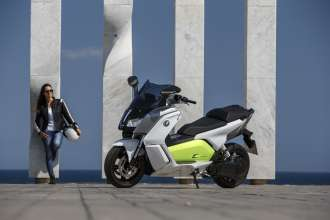 The new BMW C evolution - on location Barcelona (04/2014)