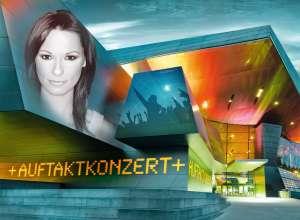 Lange Nacht der Musik am 17. Mai 2014 in München: Auftaktkonzert von Christina Stürmer in der BMW Welt (05/2014)