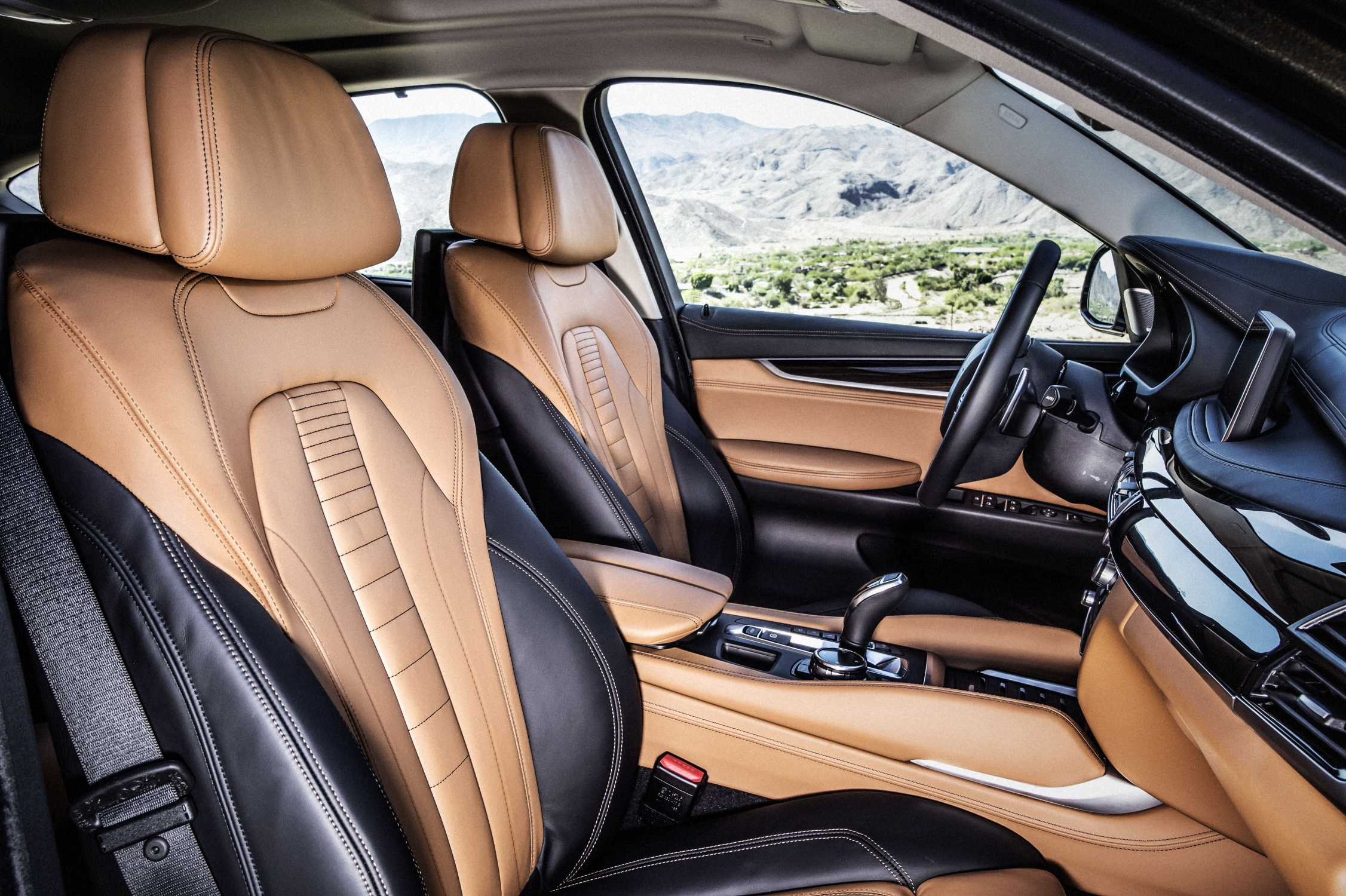 the new bmw x6 bicolour leather nappa with extended contents cognac black interior design. Black Bedroom Furniture Sets. Home Design Ideas