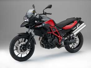 BMW F 700 GS, Black storm metallic / Racing red (07/2014)
