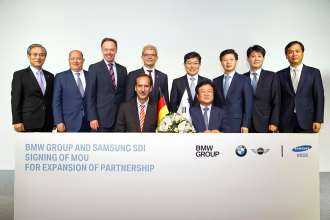 BMW Group and Samsung SDI expand partnership: Signing of a memorandum of understanding for delivery of further battery cells in Seoul/Korea on 14th July 2014. Back row l-r: Dr. Hyojoon Kim, BMW Group Korea CEO; Hendrik von Kuenheim, Senior Vice President of the region Asia, Pacific and South Africa;  Dr. Ian Robertson, Member of the Board of Management of BMW AG; Sales and Marketing BMW;  Rolf Mafael, German Ambassador to the Republic of Korea;  Yoon Sang-Jick, The Minister of Trade, Industry and Energy; Jeseung Park, SAMSUNG SDI Executive Vice President;  Jeongwook Kim, SAMSUNG SDI Senior Vice President;  Changguk Kim, SAMSUNG SDI Vice President.