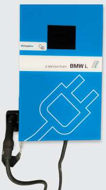 BMW i DC Fast Chargers, developed in collaboration with Bosch Automotive Service Solutions, are half the size of current DC Combo fast chargers, compatible with multiple electric vehicles and significantly more affordable. (07/2014)