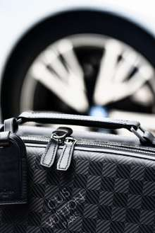 """The tailor-made Louis Vuitton luggage set for the BMW i8 made from carbon fibre: Hardshell """"Business Case i8"""",""""Garment Bag i8"""". (08/2014)"""