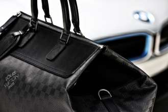 "The tailor-made Louis Vuitton luggage set for the BMW i8 made from carbon fibre: Big ""Weekender GM i8"". (08/2014)"