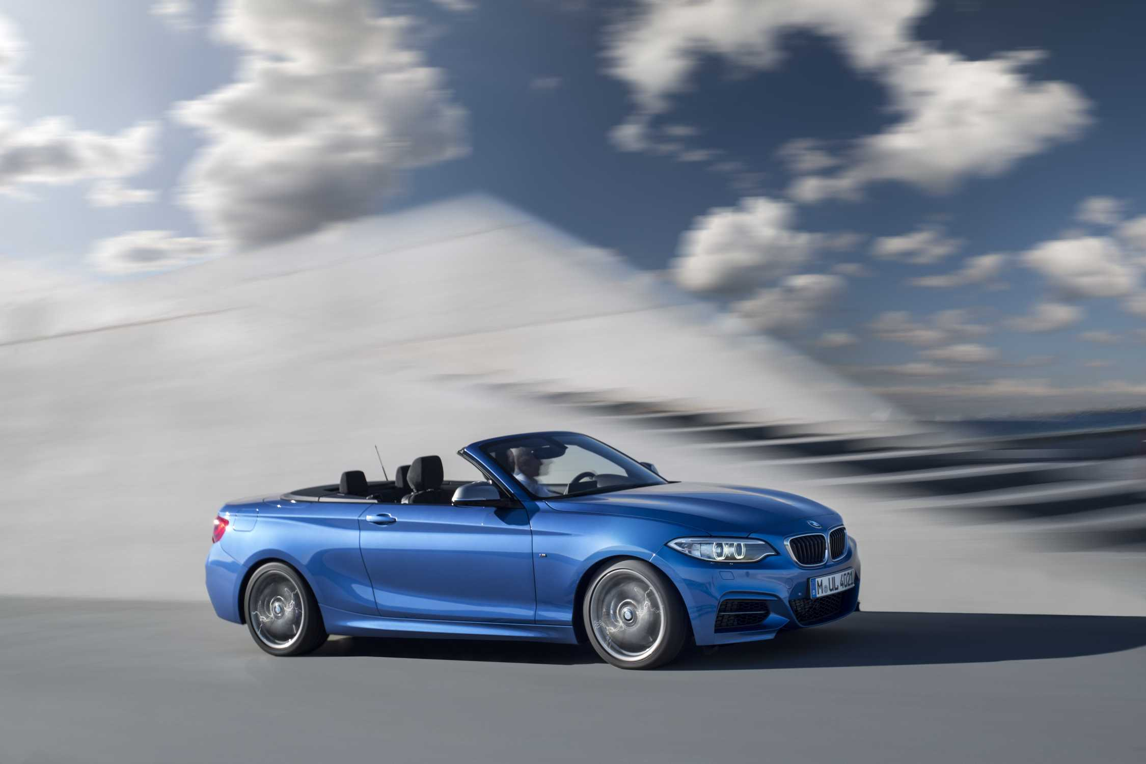 produktionsstart des bmw 2er cabrio in leipzig. Black Bedroom Furniture Sets. Home Design Ideas