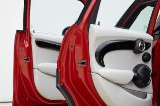 MINI Cooper S 5 door. (09/2014)