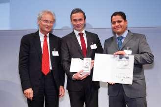 Laudator Prof. Dr. Kagermann mit Preisträgern Dr. Helmut Erdl und Dr. Abdelmalek Hanafi (09/2014).