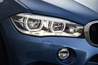 The new BMW X6 M. Adaptive LED Headlights with BMW Selective Beam and Washer System.(10/2014)