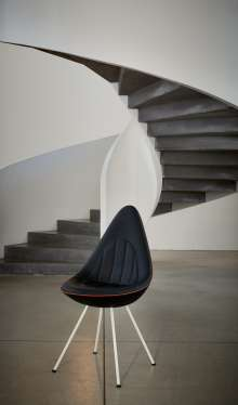 Die Fritz Hansen Drop Chairs by MINI. (11/2014)