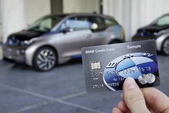 New BMW credit card also functions as a key (01/2015)
