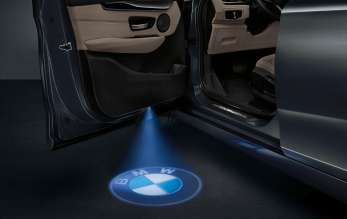 BMW 2 Series Gran Tourer, Accessories, BMW LED door projector, BMW LED door sill finishers  (02/2015)