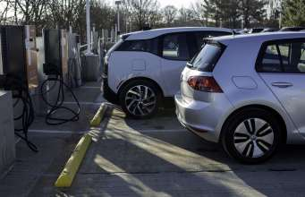 The BMW i3 and Volkswagen e-Golf prepare to charge quickly using DC Fast Chargers as part of the recently announced express charging corridors, a partnership between ChargePoint, BMW and Volkswagen. The initiative, designed to add up to 100 fast charging locations along the U.S. East and West Coasts, will help meet the large and growing demand for convenient, publicly available electric vehicle fast chargers and support the adoption of electric vehicles in the U.S. (01/2015 - Anders Krusberg/Newscast Creative)