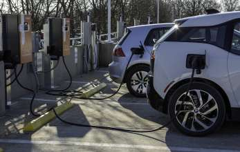 The BMW i3 and Volkswagen e-Golf charge quickly using DC Fast Chargers as part of the recently announced express charging corridors, a partnership between ChargePoint, BMW and Volkswagen. The initiative, designed to add up to 100 fast charging locations along the U.S. East and West Coasts, will help meet the large and growing demand for convenient, publicly available electric vehicle fast chargers and support the adoption of electric vehicles in the U.S. (01/2015 - Anders Krusberg/Newscast Creative)