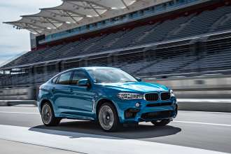 The new BMW X6 M. On location. Driving scenes (01/2015).