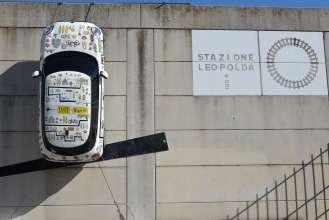 MINI a Pitti Taste a Firenze da sabato 7 marzo a lunedì 9 marzo 2015. MINI attenderà i visitatori all'ingresso di PITTI Taste attraverso le cinque porte di accesso alla Stazione Leopolda. Installazione MINI (03/2015).